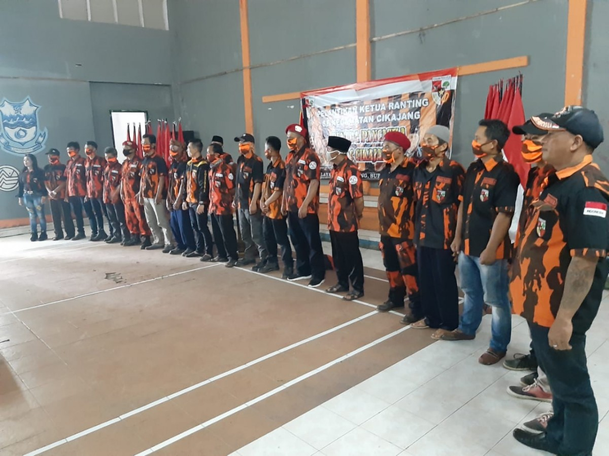 Para pengurus Ranting Pemuda Pancasila Desa Margamulya
